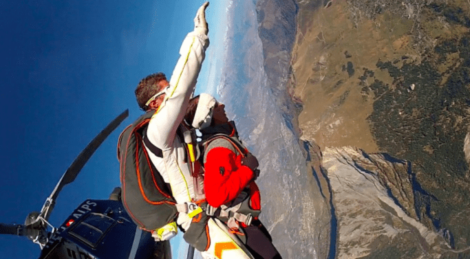 New skydiving service in Verbier